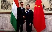 Szijjártó Péter stratégiai partnerségről tárgyal Kínában