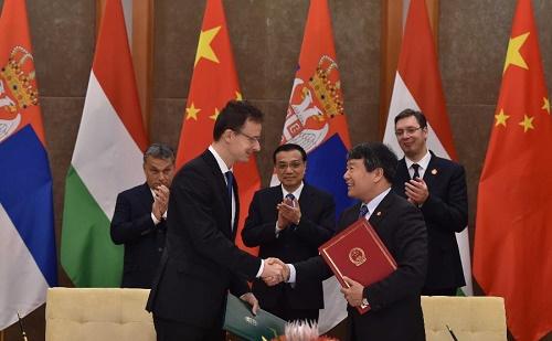 Aláírásra került a Budapest-Belgrád vasútvonal szerződése