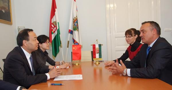 Tang Liangzhi wuhani polgármester megbeszélése Borkai Zsolttal