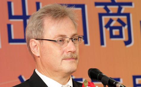 Interjú Rudolf Riedl-lel, az AsiaCenter Ügyvezetőjével a 3. Kínai Márkák Kiállításán