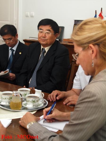 A kínai Heilongjiang tartomány delegációját Mr. Li Jichun alelnök (Heilongjiang CPPCC Bizottság) vezette