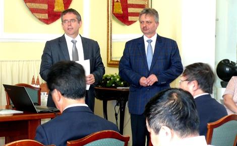 Testvérvárosi kapcsolat: Kínai delegáció látogatott Tatára