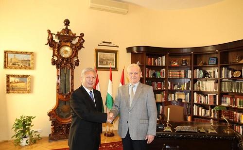 Duan Jielong kínai nagykövet úr Tarlós Istvánnal találkozott