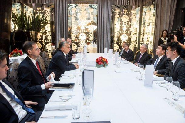 Orbán Viktor, Bank of China, keleti nyitás
