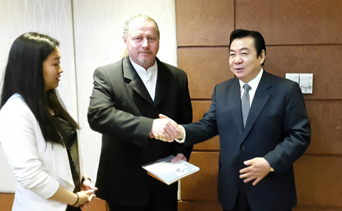 Liaoning tartomány kormányzó-helyettese és Wentzel Ferenc, Pest Megye Közgyűlésének alelnöke