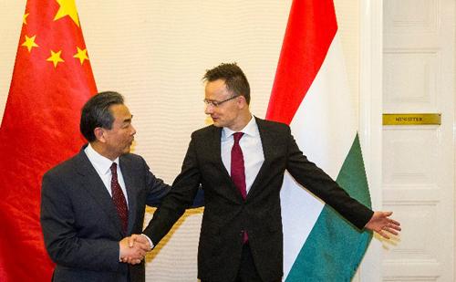 Vang Ji kínai külügyminiszter Budapesten tárgyalt Szijjártó Péter magyar külügyminiszterrel