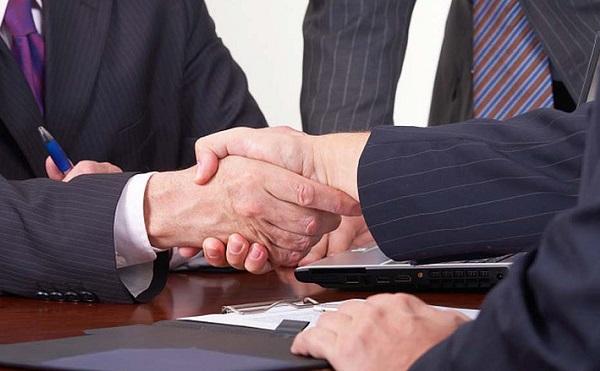 Stratégiai megállapodás a kormány és a kínai Yanfeng Automotive Interiors autóipari beszállító cég között