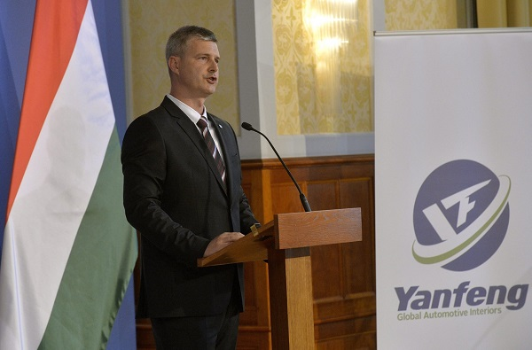 Vallyon József, a Yanfeng Hungary Automotive Interior Systems igazgatója.