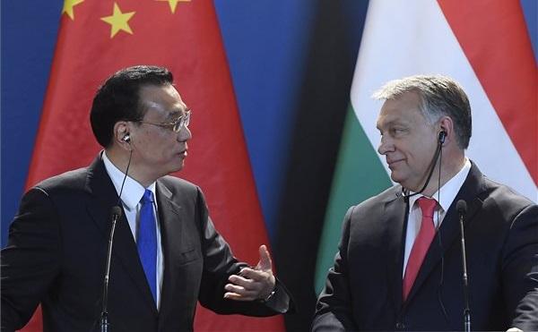 Orbán Viktor miniszterelnök Li Ko-csiang kínai kormányfővel tárgyalt