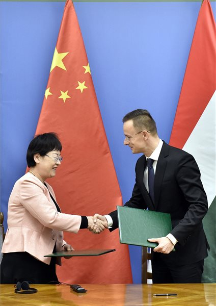 Kínai egyetem Magyarországi működéséről írtak alá megállapodást