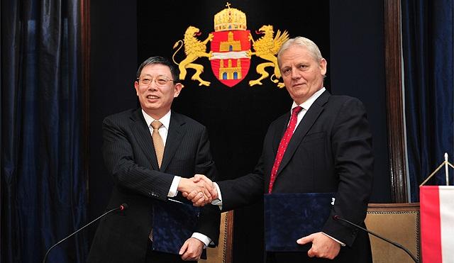 Megújítja együttműködését Budapest és Sanghaj