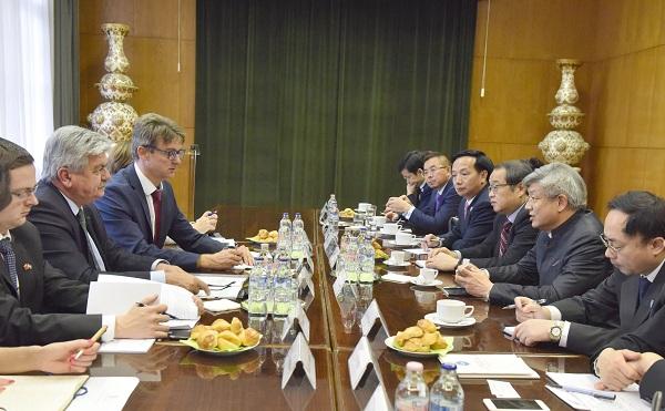 A jó minőségű magyar élelmiszerek iránt is érdeklődik Kína