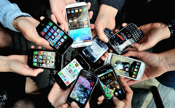 A piac csökkenése mellett töretlen egyes kínai mobilgyártók eladása