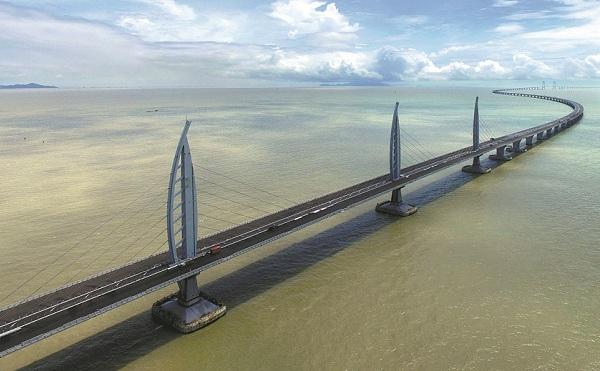 Híd köti össze Hongkongot, Makaót és Csuhajt