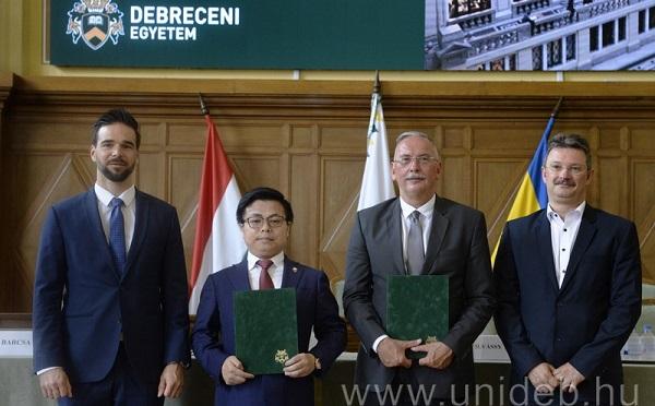 Kínai céggel kötött stratégiai megállapodást a Debreceni Egyetem