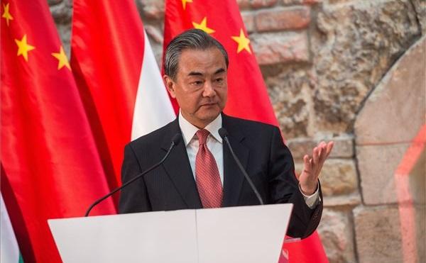 Megnyílt a kiállítás Magyarország és Kína kapcsolatok felvételének 70. évfordulója alkalmából