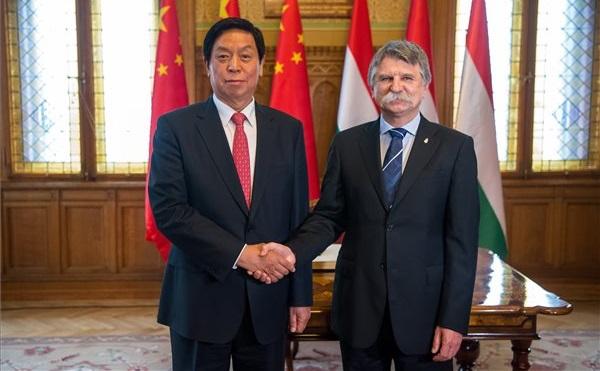 Kövér László fogadta a kínai népi gyűlés elnökét