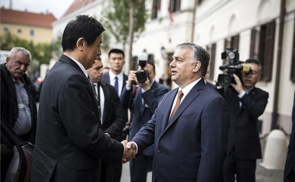 Orbán Viktor fogadta a kínai népi gyűlés elnökét