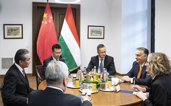 Orbán: jelentős esemény a magyar-kínai diplomáciai kapcsolatok 70. évfordulója