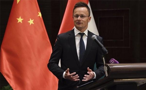 Stratégiai érdek a jó együttműködés a Huawei-jel