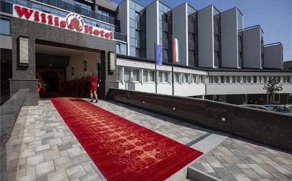 Kínai tulajdonban lévő hotelt adtak át Zalaegerszegen
