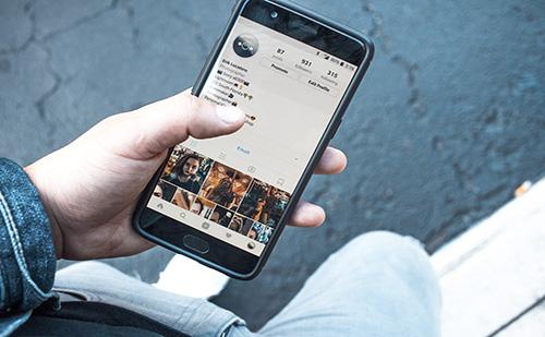 Dübörög a mobilpiac Kínában