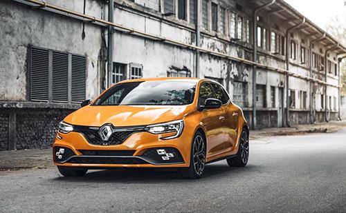 A Renault hibrid autóit Kínában fogják gyártani