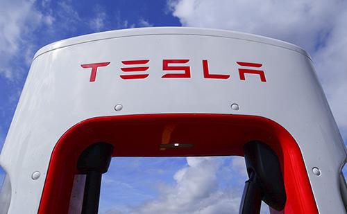 Még több Model Y típus gyártásába fog a Tesla