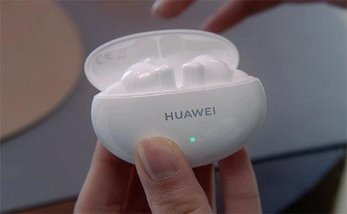 A Huawei új vezeték nélküli fülese jó és megfizethető