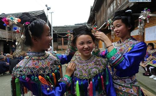 népviselet, Dél-Kína