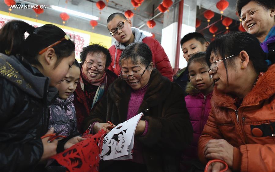 Kína, papírkivágás