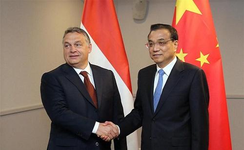 Li Keqiang KKE vezetőkkel tárgyalt